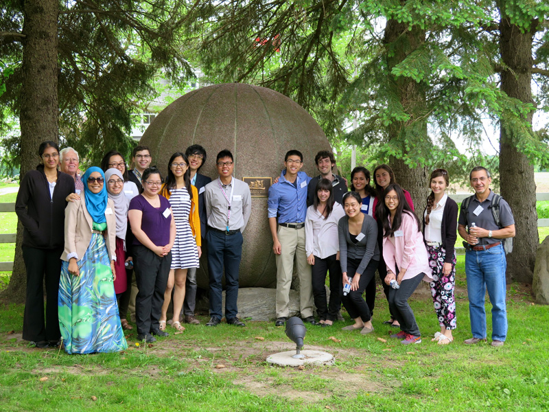 U of T Family Medicine class at the Cairn 2014
